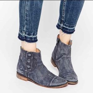 Free People Gray Shadow Lark ankle boots 37